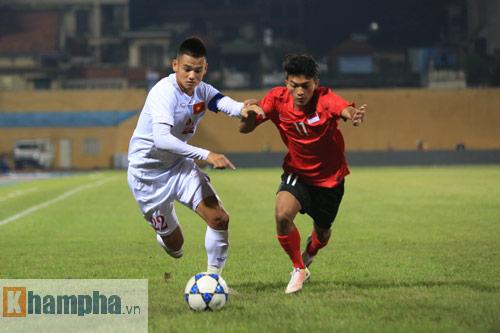 HLV Hoàng Anh Tuấn không hài lòng với chân sút U19 VN - 10