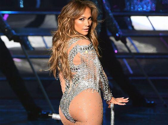 47 tuổi, Jennifer vẫn giữ được thân hình bốc lửa - 8