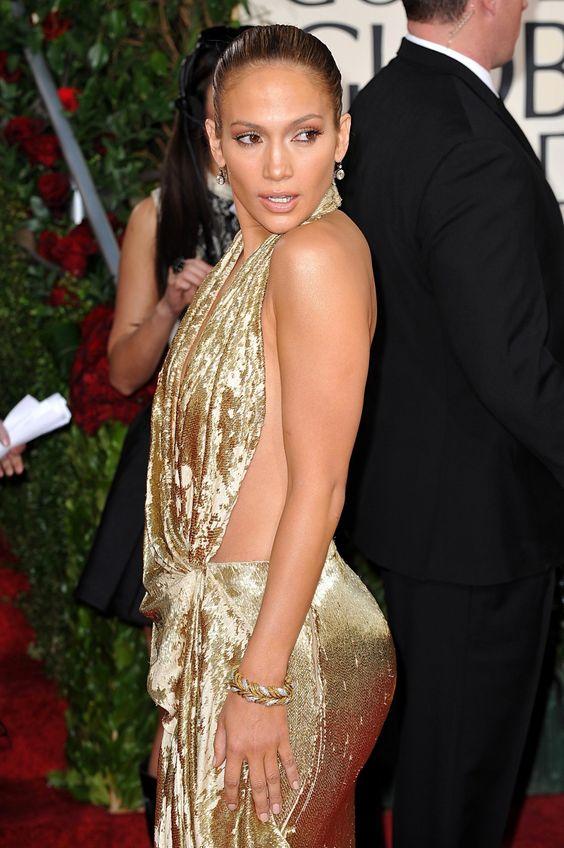 47 tuổi, Jennifer Lopez vẫn giữ được thân hình bốc lửa - 3