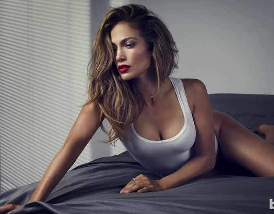 47 tuổi, Jennifer Lopez vẫn giữ được thân hình bốc lửa - 11
