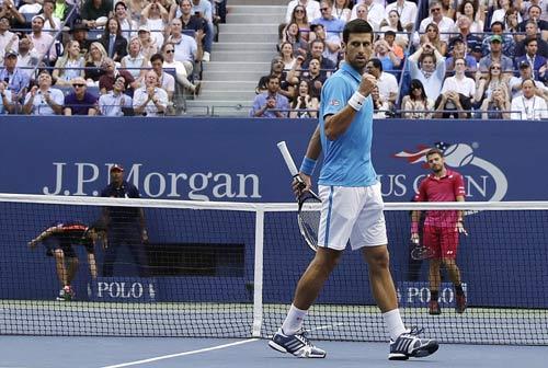 Góc ảnh CK US Open: Djokovic đổ máu, Wawrinka rơi lệ - 7