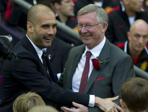 Ngán ngẩm vì Mourinho, Sir Alex ôm chúc mừng Pep - 2