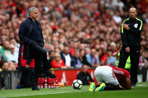 "MU: ""Trảm"" sao, Mourinho trao cờ cho Rashford - 3"