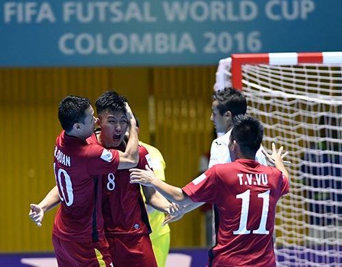 ĐT futsal VN thăng hoa: Vui đã, Paraguay & Ý tính sau - 1