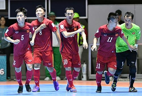ĐT futsal VN thăng hoa: Vui đã, Paraguay & Ý tính sau - 2
