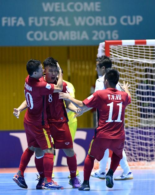 World Cup Futsal: Việt Nam chào sân ấn tượng - 9