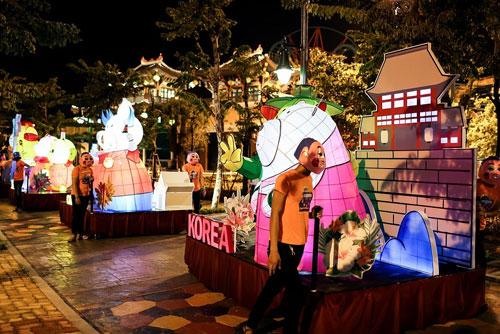 Rực rỡ lễ hội đèn lồng tại Asia Park - 4