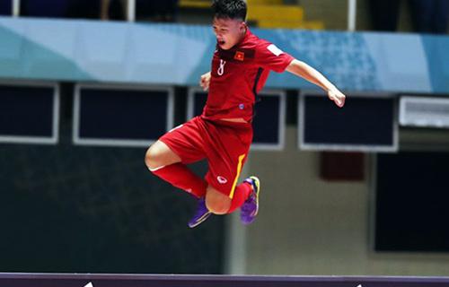 Người hùng 20 tuổi giúp ĐT Việt Nam gây sốc World Cup - 2
