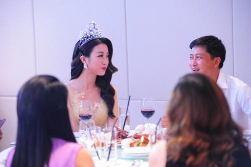 """HH Đỗ Mỹ Linh: """"Bạn là hoa hậu trong mắt ai mới quan trọng"""" - 5"""
