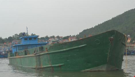 """Bắt giữ tàu đổ chất thải """"lạ"""" xuống biển Thanh Hóa, Nghệ An - 2"""