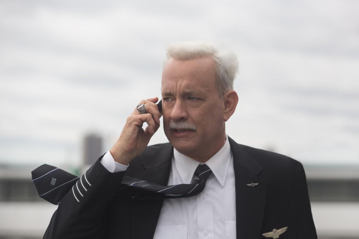 """Phim mới của Tom Hanks có đủ sức """"về đích"""" tại Oscar? - 1"""
