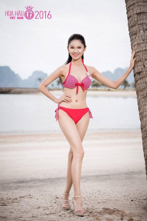"""Tân á hậu VN Thùy Dung hé lộ loạt ảnh """"xinh từ bé"""" - 1"""