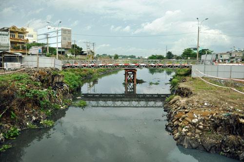 Cận cảnh 2 cầu thép tiền tỷ xây trong 16 ngày ở Sài Gòn - 5