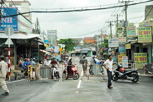 Cận cảnh 2 cầu thép tiền tỷ xây trong 16 ngày ở Sài Gòn - 13