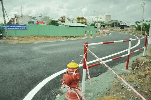 Cận cảnh 2 cầu thép tiền tỷ xây trong 16 ngày ở Sài Gòn - 10