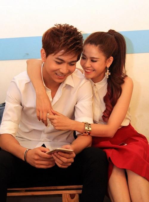 Trương Quỳnh Anh ngày càng bạo dạn với Tim nơi công cộng - 12