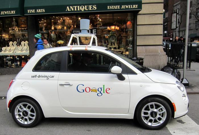 Mỹ có thể cho phép xe tự lái lưu thông trên đường - 1