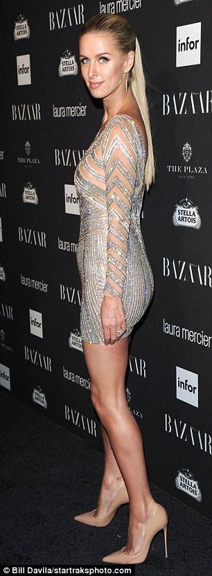 Mỹ nhân khoe thân hình gợi cảm tại New York Fashion Week - 9