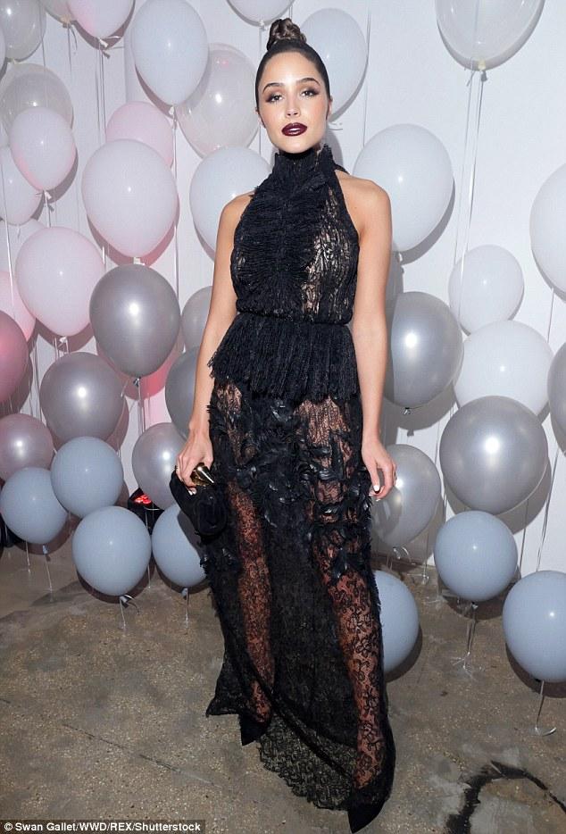 Mỹ nhân khoe thân hình gợi cảm tại New York Fashion Week - 10