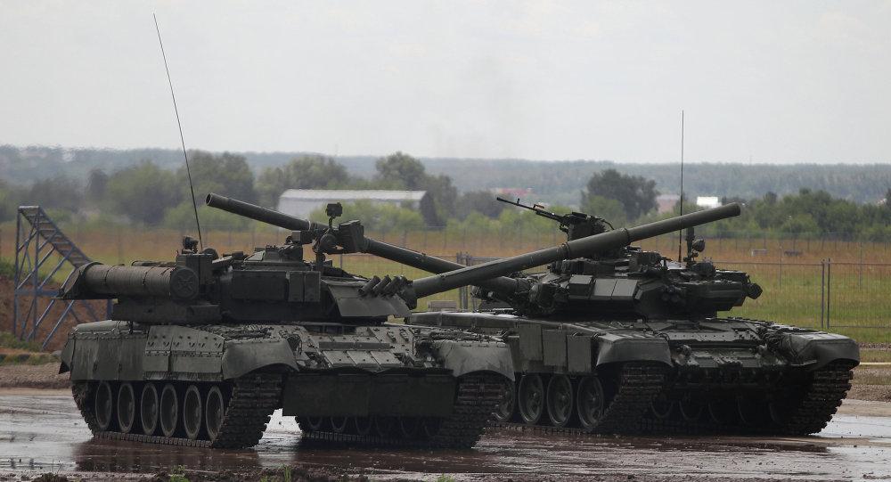 Dàn tăng T-14 Armata Nga lần đầu khai hỏa khoe uy lực - 1