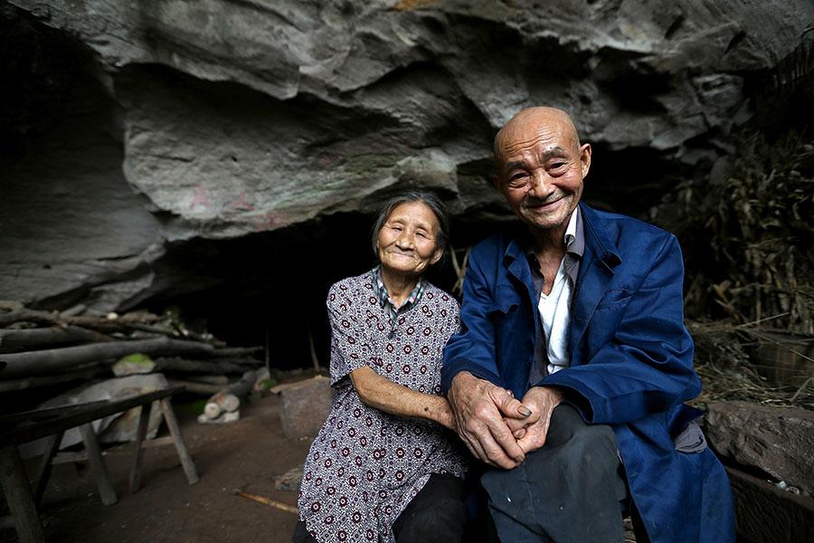 TQ: Cặp vợ chồng sống trong hang suốt 54 năm - 1