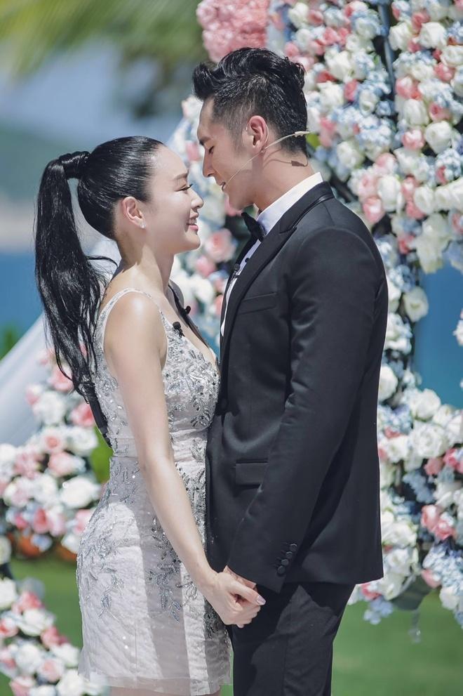 """Ảnh cưới đẹp lạ của """"bom sex"""" Chung Lệ Đề - 11"""