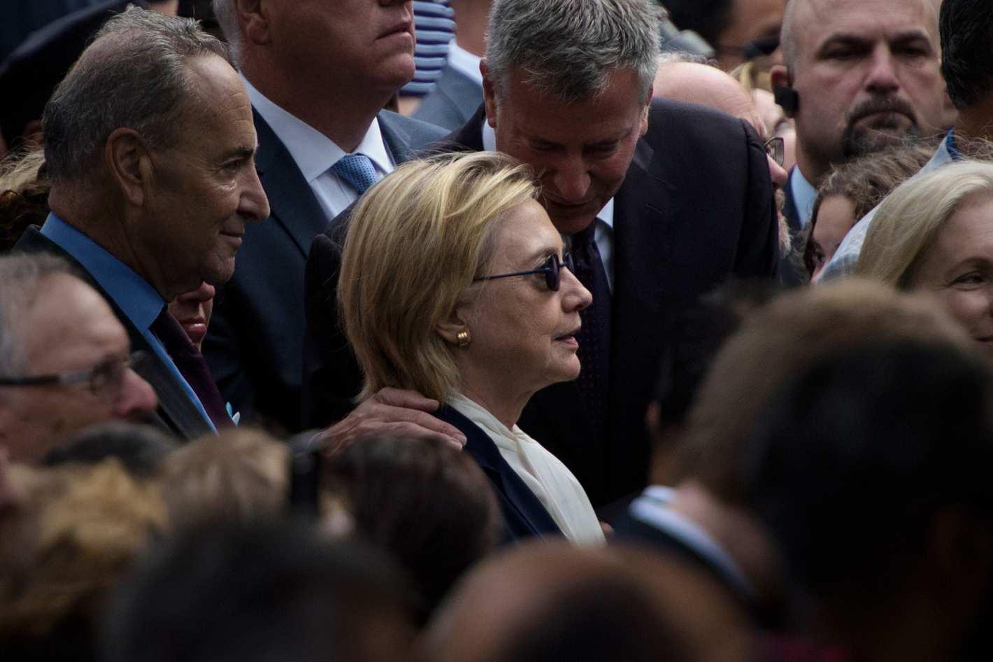 Bị tố không đủ sức khỏe, bà Clinton vẫn phớt lời bác sĩ - 1