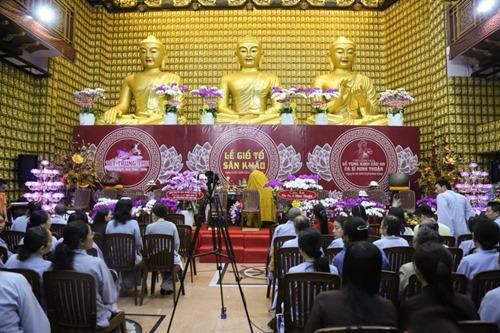 Sao Việt làm lễ cầu an cho Minh Thuận đúng ngày sinh nhật - 1
