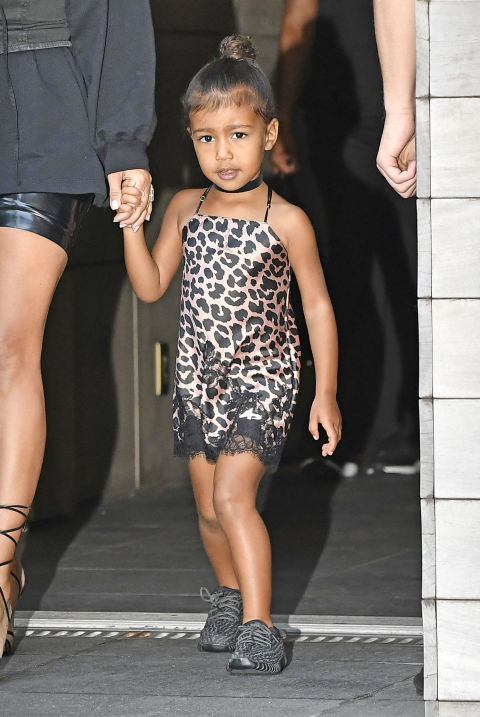 Ngẩn ngơ ngắm đồ hiệu của công chúa nhà Kim Kardashian - 8