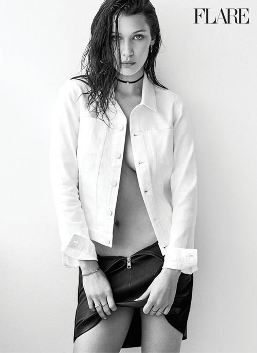 Bella Hadid hờ hững khoe ngực trên tạp chí Flare - 7