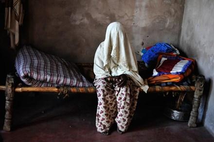 Ấn Độ: 2 chị em bị cưỡng hiếp tập thể vì lỡ ăn thịt bò - 1