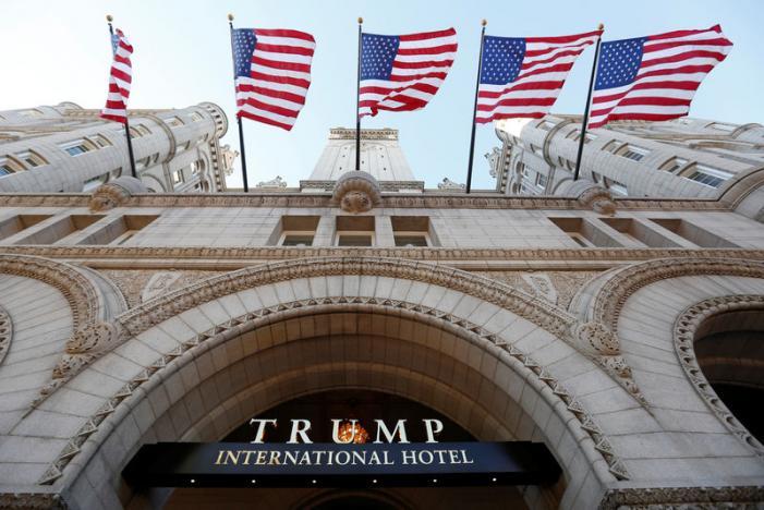 Trump mở khách sạn siêu sang, thành hàng xóm của Obama - 1