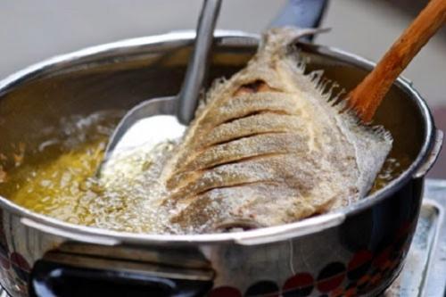 Gia đình Việt nên dùng dầu ăn hay mỡ động vật để tốt cho sức khỏe? - 1