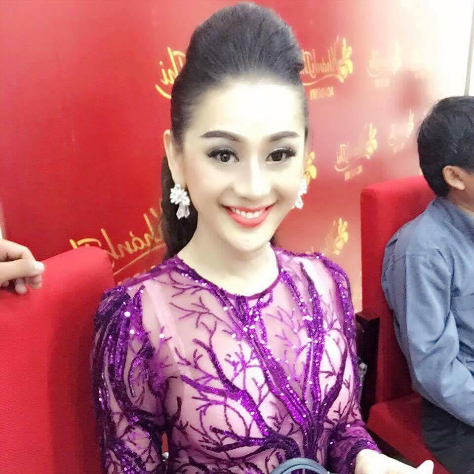 Lâm Chi Khanh lên tiếng vì bị chê mặc xuyên thấu đi cúng Tổ nghề - 3