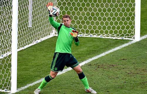 Đội hình trong mơ Cúp C1: CR7 sát cánh Messi-Suarez - 1