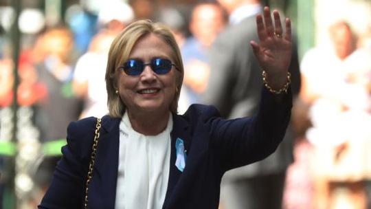 Nghi vấn bà Clinton bị đầu độc - 1