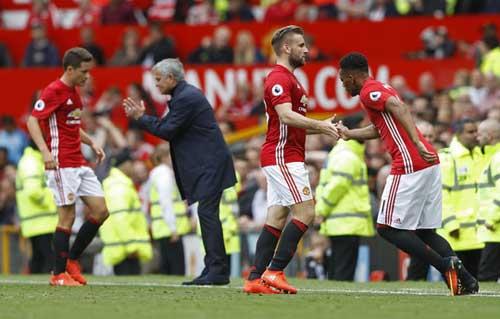 """Mourinho """"mát tính"""": Biết thời thế mới là tuấn kiệt - 2"""