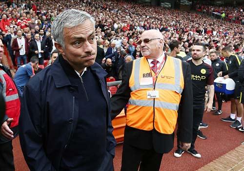 """Mourinho: """"Ngoại hạng Anh khó có đội vô địch cúp C1"""" - 2"""
