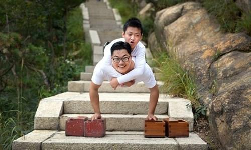 TQ: Cậu bé không chân chinh phục núi cao nghìn mét - 1