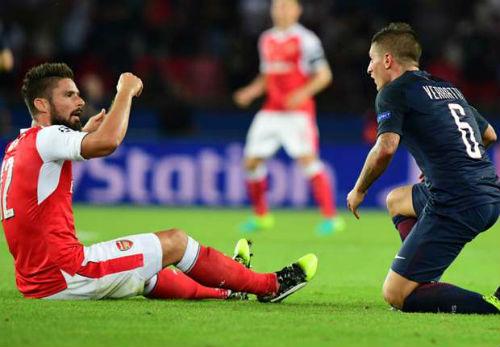 """""""Chân gỗ"""" hạng nặng, Cavani - Giroud bị cười nhạo - 2"""