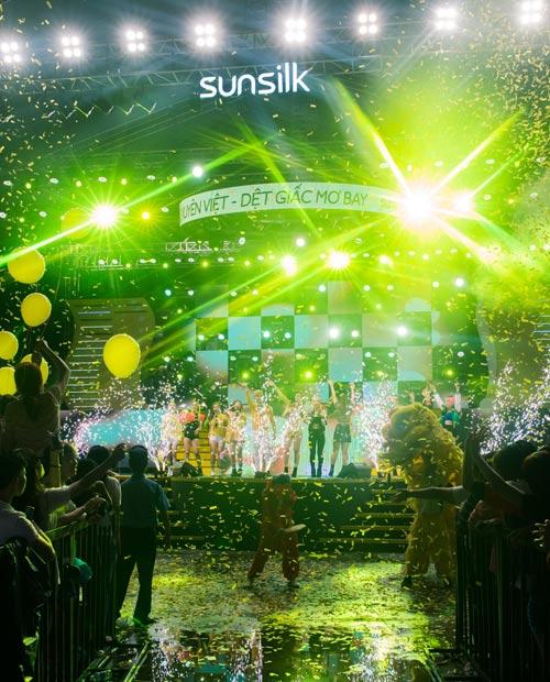 Đông Nhi cùng 5000 bạn gái Cần Thơ khuấy động đại tiệc âm nhạc - 8