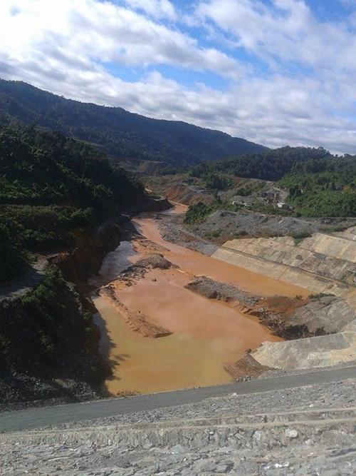 Sốc với hiện trường vỡ đường ống thủy điện Sông Bung 2 - 2