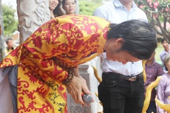 Sốc với tin Hoài Linh đóng cửa nhà thờ Tổ 100 tỉ - 3