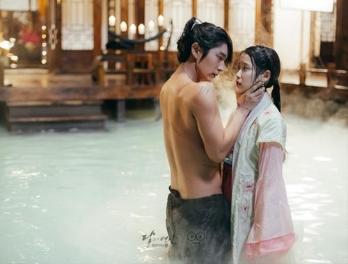 Đặt lên bàn cân 7 phim Hoa – Hàn hot nhất năm 2016 - 12