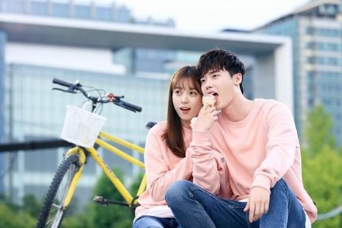 Đặt lên bàn cân 7 phim Hoa – Hàn hot nhất năm 2016 - 14