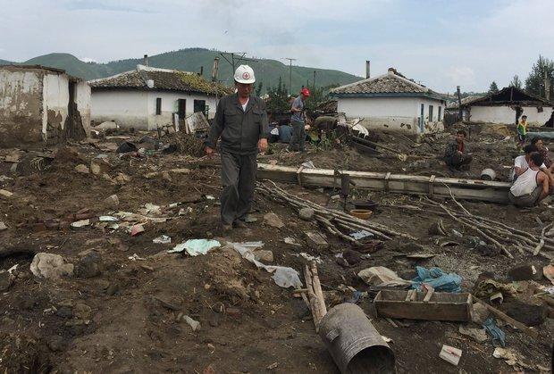 """Triều Tiên bất ngờ """"xin"""" thế giới giúp đỡ - 2"""