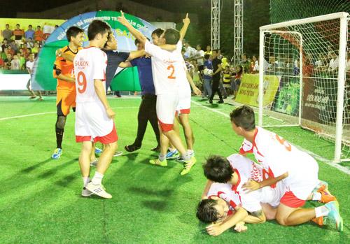 Chung kết Giải Bóng đá mini phong trào toàn quốc Cúp bia Sài Gòn 2016 - 6
