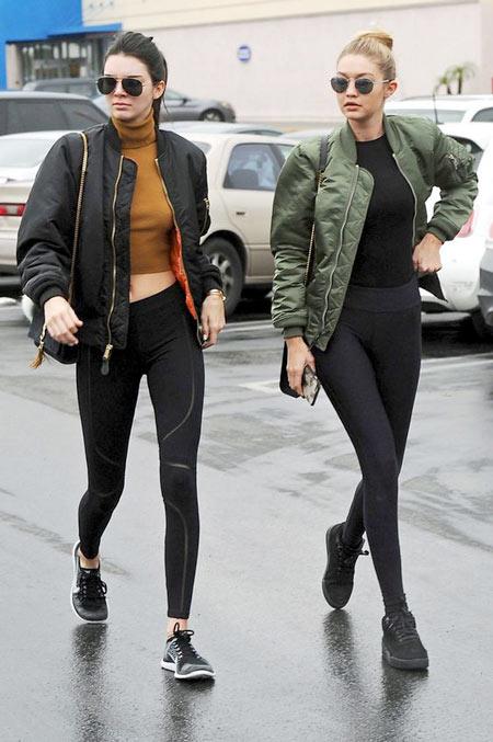 2 siêu mẫu nổi tiếng diện giày dép cực chất - 2