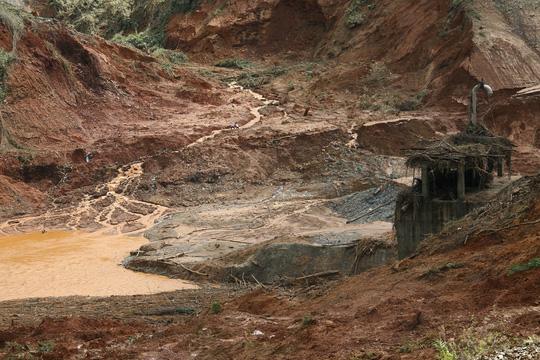 Vụ vỡ cống thủy điện: Tìm thấy tất cả người mất tích - 6