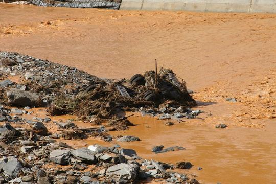 Vụ vỡ cống thủy điện: Tìm thấy tất cả người mất tích - 9